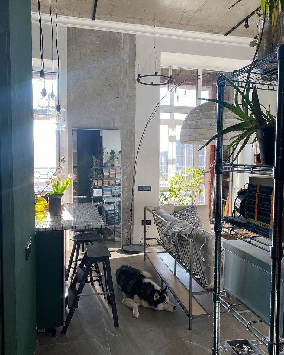 Фотография: Гостиная в стиле Лофт, Скандинавский, Современный, Квартира, Студия, Проект недели, Монолитно-кирпичный, Сбербанк – фото на INMYROOM