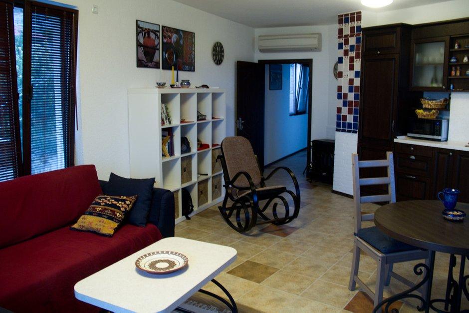 Фотография: Гостиная в стиле , Декор интерьера, Квартира, Цвет в интерьере, Дома и квартиры, Стены – фото на InMyRoom.ru