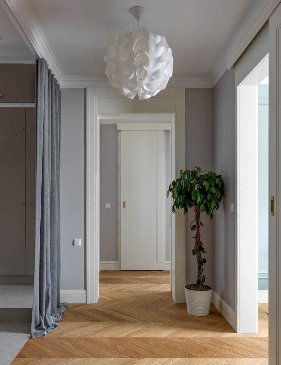 Фотография: Прихожая в стиле Современный, Классический, Квартира, Проект недели, Москва, 2 комнаты, 3 комнаты, 60-90 метров, Монолитно-кирпичный – фото на INMYROOM