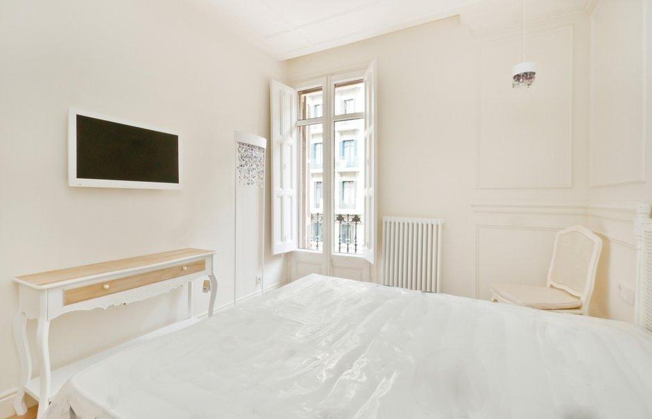 Фотография: Спальня в стиле Скандинавский, Квартира, Дома и квартиры, Перепланировка, Барселона, Модерн – фото на INMYROOM