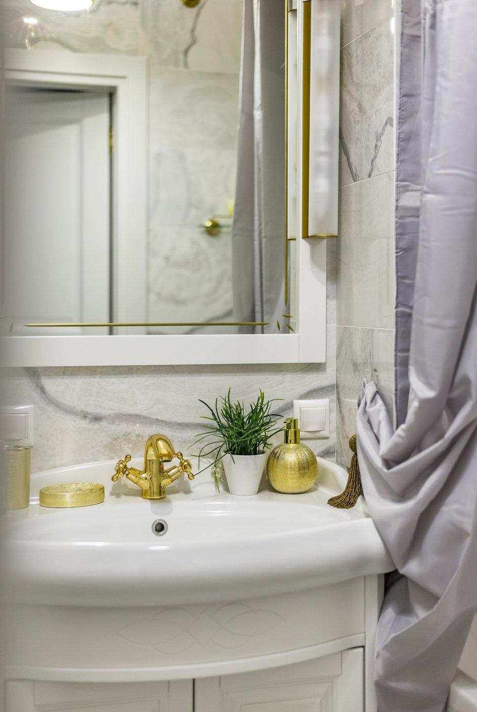 Фотография: Ванная в стиле Классический, Современный, Квартира, Проект недели, Москва, Кирпичный дом, 4 и больше, 60-90 метров, Юлия Левина – фото на INMYROOM