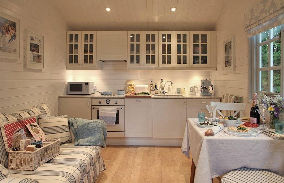 Фотография: Кухня и столовая в стиле Прованс и Кантри, Дом, Дома и квартиры, Дача, Шебби-шик – фото на INMYROOM