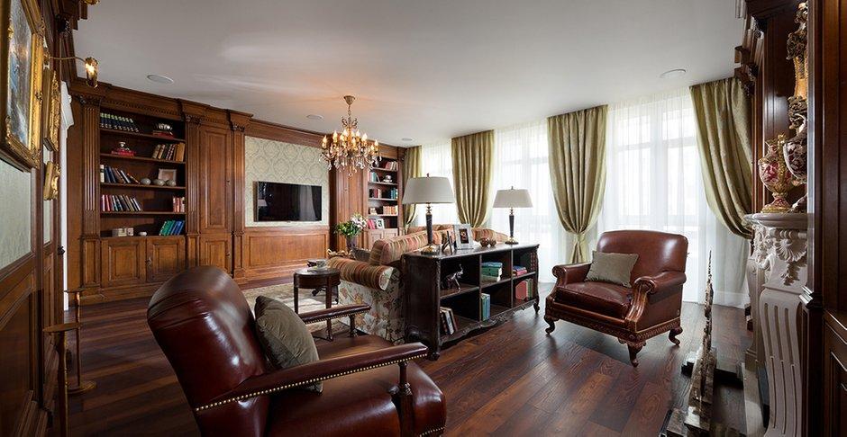 Фотография: Офис в стиле Классический, Квартира, Дома и квартиры, Пентхаус – фото на INMYROOM