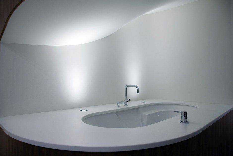 Фотография: Ванная в стиле Современный, Декор интерьера, Дом, Дома и квартиры, Архитектурные объекты, Большие окна, Голландия – фото на INMYROOM