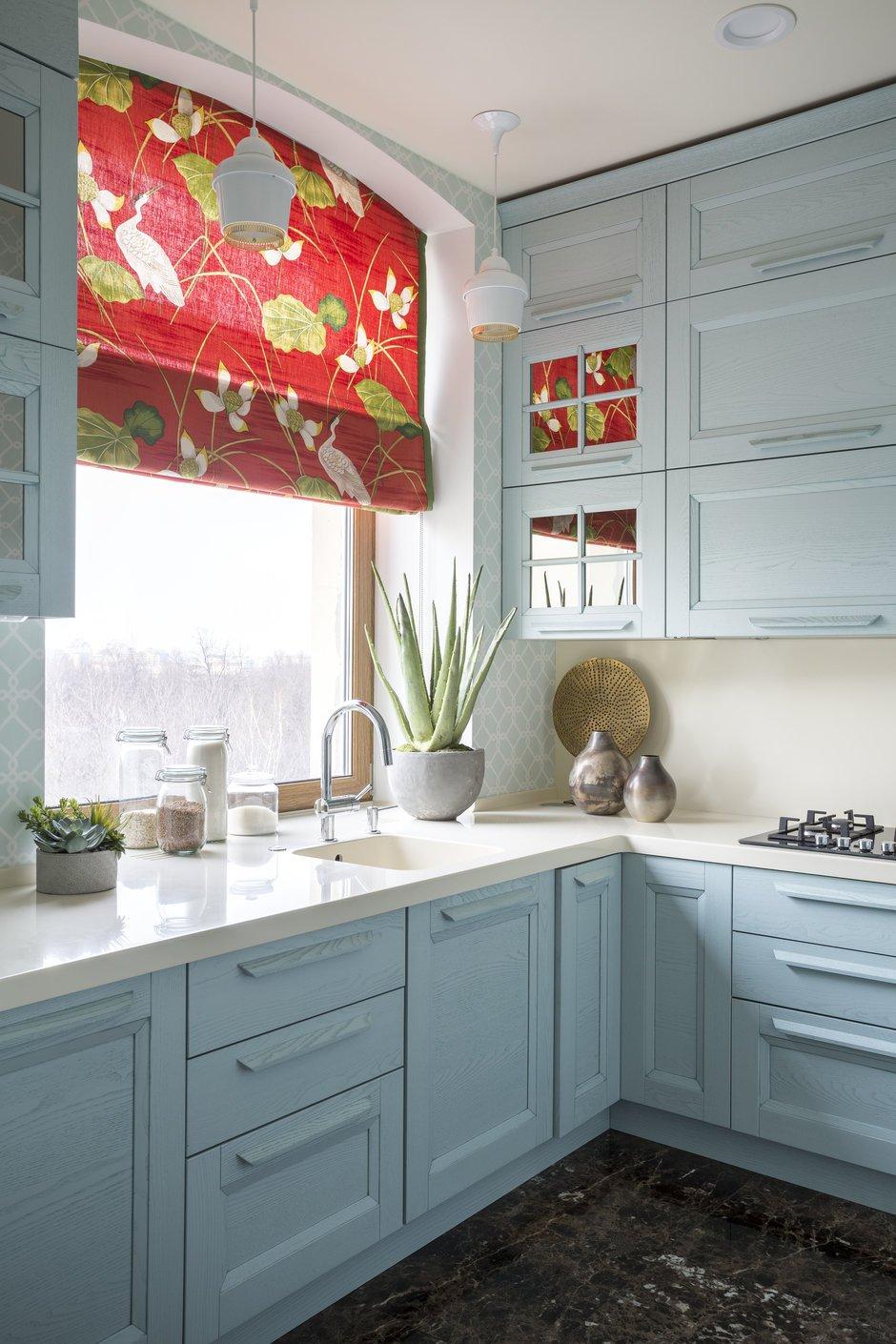 Фотография: Кухня и столовая в стиле Прованс и Кантри, Классический, Современный, Декор интерьера, Сталинка – фото на INMYROOM