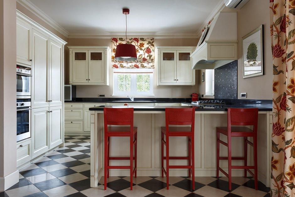 Фотография: Кухня и столовая в стиле Классический, Дом, Проект недели, 4 и больше, Более 90 метров, Оксана Бутман – фото на INMYROOM