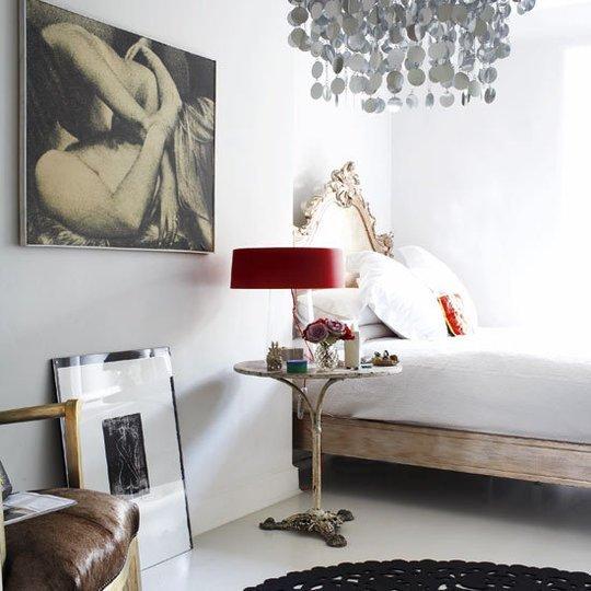 Фотография: Спальня в стиле Скандинавский, Эклектика, Декор интерьера, Дизайн интерьера, Цвет в интерьере, Серый – фото на INMYROOM