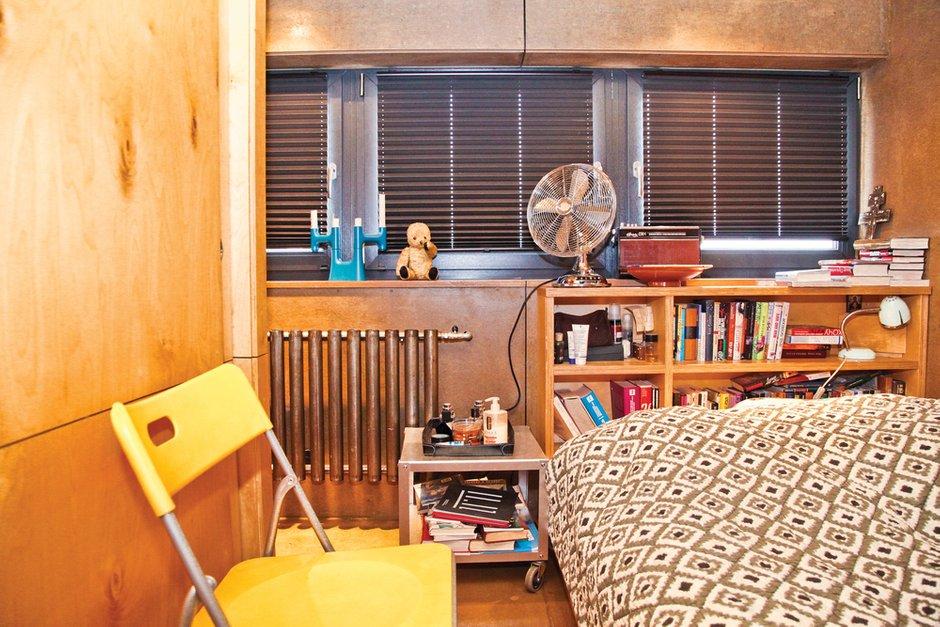 Фотография: Спальня в стиле Лофт, Малогабаритная квартира, Квартира, Дома и квартиры, Квартиры – фото на INMYROOM