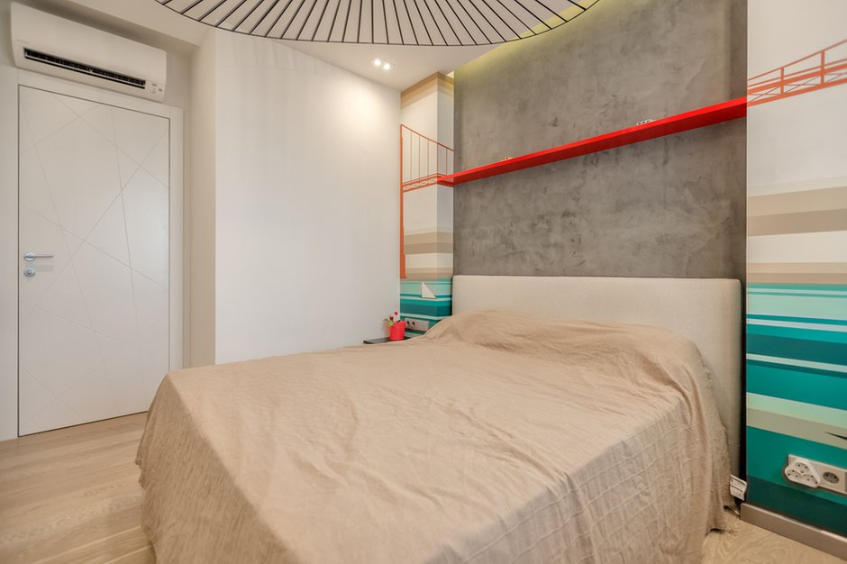 Фотография:  в стиле , Современный, Квартира, Eames, Gorenje, Проект недели, Москва, Бежевый, Dulux, Желтый, Серый, Декоративная штукатурка, Коричневый, Граффити, SLV, ИКЕА, кирпич в интерьере, кирпичная стена, кирпичная стена в интерьере, идеи перепланировки однушки, перепланировка однокомнатной квартиры, современный интерьер, Roca, Porcelanosa, освещение в спальне, Lightstar, Jacob Delafon, Kermi, Centrsvet, как организовать хранение на небольшом метраже, перепланировка студии, кирпичный клинкер, квартира в современном стиле, сценарии освещения, Grohе, хранение книг в небольшой квартире, перепланировка однушки, современный стиль в интерьере, как из однушки сделать двушку, кирпичная кладка в интерьере, современные сценарии освещения, как создать современный и модный интерьер, керамогранит под дерево, Estetica, интерьер с кирпичной кладкой, декоративное освещение в квартире, Megalux, Valentin, Arline, Italline, Constance Guisse, Terhuerne, Calcebeton, Moorbrand, Виктория Золина, Zi-Design Interiors – фото на INMYROOM