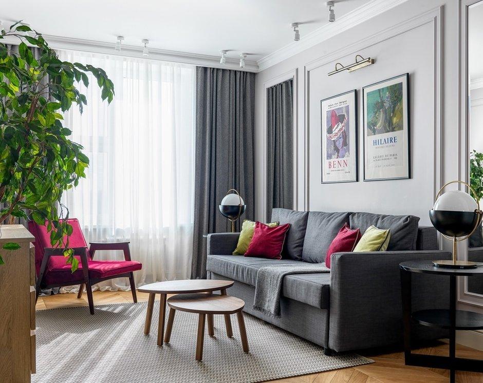Фотография: Гостиная в стиле Современный, Классический, Квартира, Проект недели, Москва, 2 комнаты, 3 комнаты, 60-90 метров, Монолитно-кирпичный – фото на INMYROOM