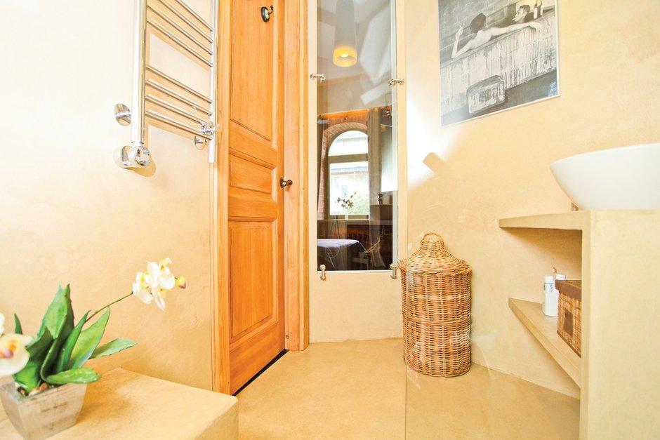 Фотография: Ванная в стиле Восточный, Лофт, Декор интерьера, Дом, Дома и квартиры, Стена – фото на INMYROOM