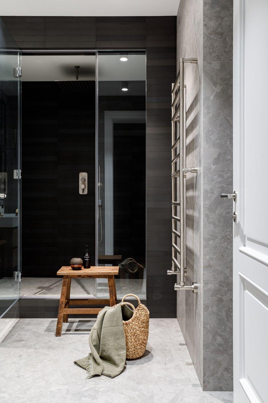 Фотография: Ванная в стиле Современный, Квартира, Проект недели, Москва, Айя Лисова, 4 и больше, Более 90 метров, Aiya Design – фото на INMYROOM