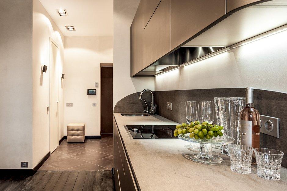 Фотография: Кухня и столовая в стиле Современный, Квартира, Дома и квартиры, Roommy.ru, Porada – фото на INMYROOM