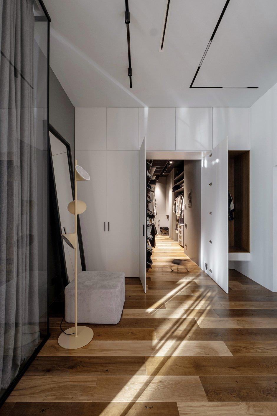 Фотография: Прихожая в стиле Минимализм, Лофт, Квартира, Проект недели, Москва, 3 комнаты, Более 90 метров – фото на INMYROOM