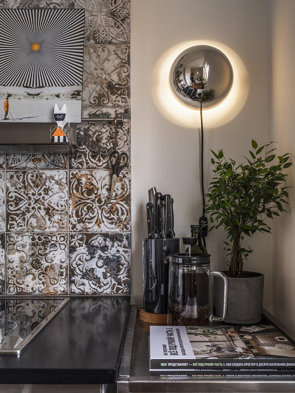 Фотография: Кухня и столовая в стиле Лофт, Эклектика, Квартира, Проект недели, Москва, Виктория Золина, Zi-Design Interiors, П-44, Панельный дом, 1 комната, до 40 метров, ПРЕМИЯ INMYROOM – фото на INMYROOM