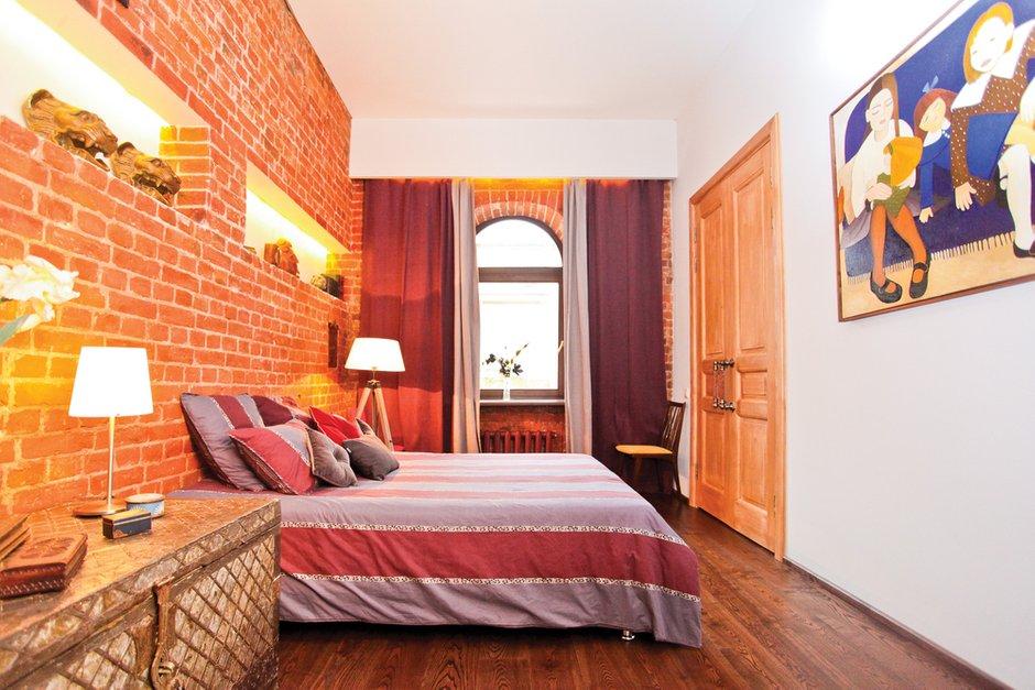 Фотография: Спальня в стиле Лофт, Декор интерьера, Дом, Дома и квартиры, Стена – фото на INMYROOM