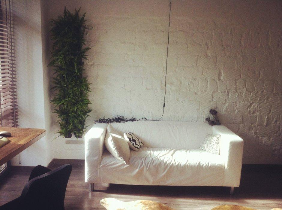 Фотография: Гостиная в стиле Лофт, Скандинавский, Малогабаритная квартира, Квартира, Дома и квартиры – фото на INMYROOM