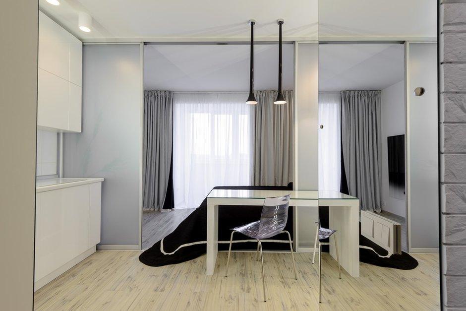 Фотография: Кухня и столовая в стиле Современный, Малогабаритная квартира, Квартира, Дома и квартиры, Минимализм, Переделка – фото на INMYROOM