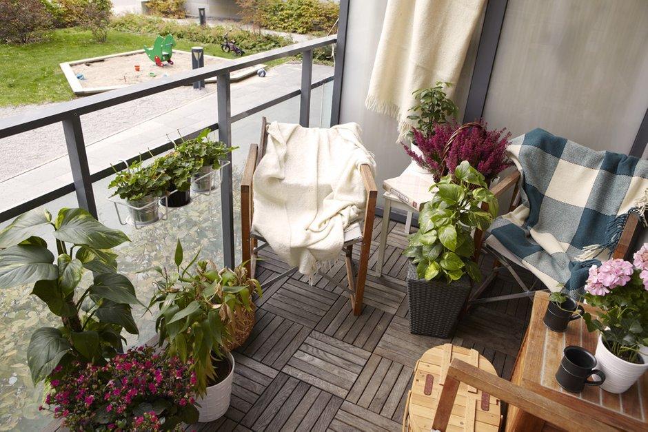 Фотография: Балкон, Терраса в стиле Скандинавский, Современный, Детская, Квартира, Швеция, Цвет в интерьере, Дома и квартиры, Белый – фото на INMYROOM
