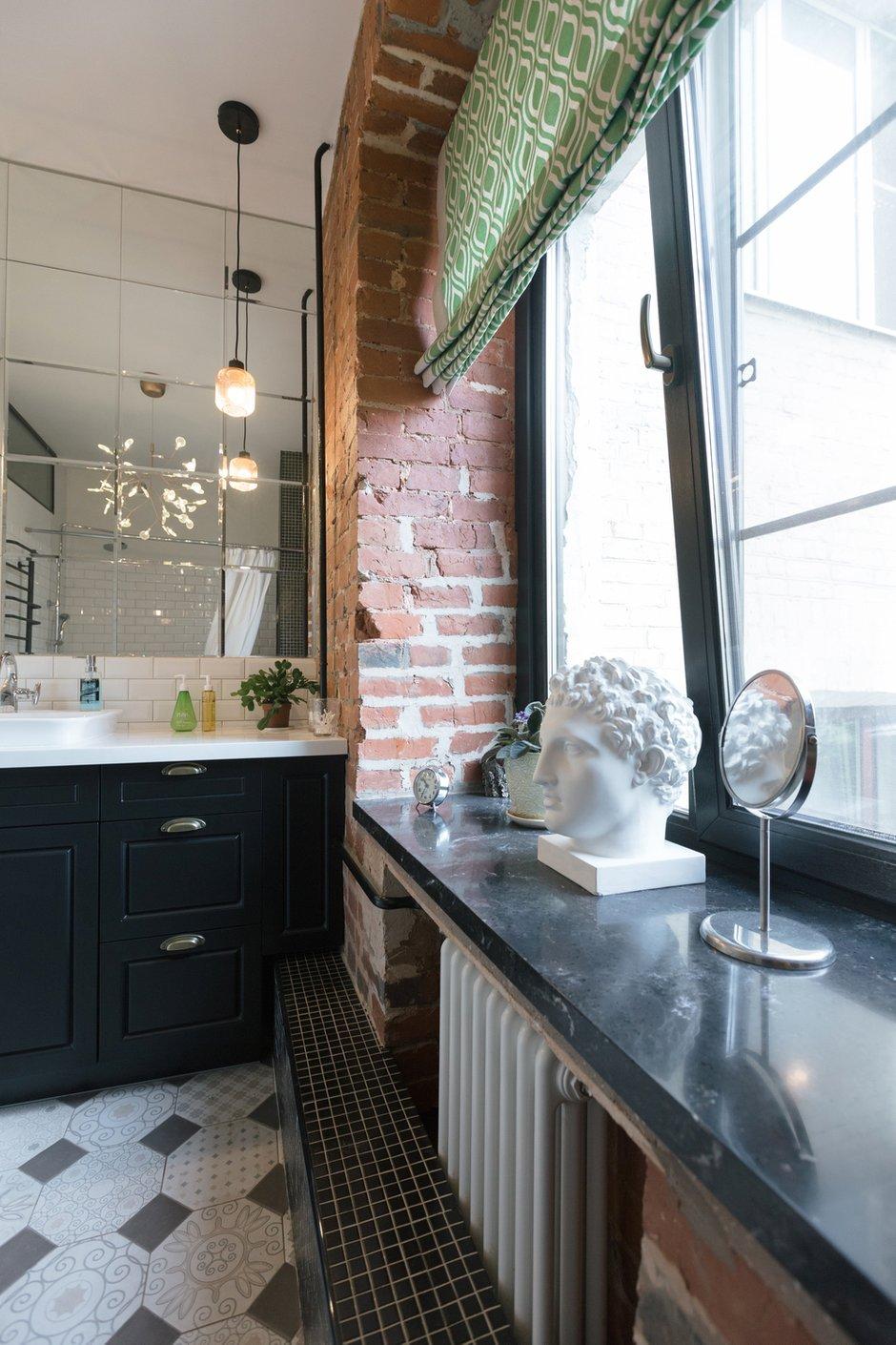 Фотография: Ванная в стиле Лофт, Эклектика, Квартира, Проект недели, Москва, Кирпичный дом, 2 комнаты, 40-60 метров, 60-90 метров, Варя Шалито – фото на INMYROOM