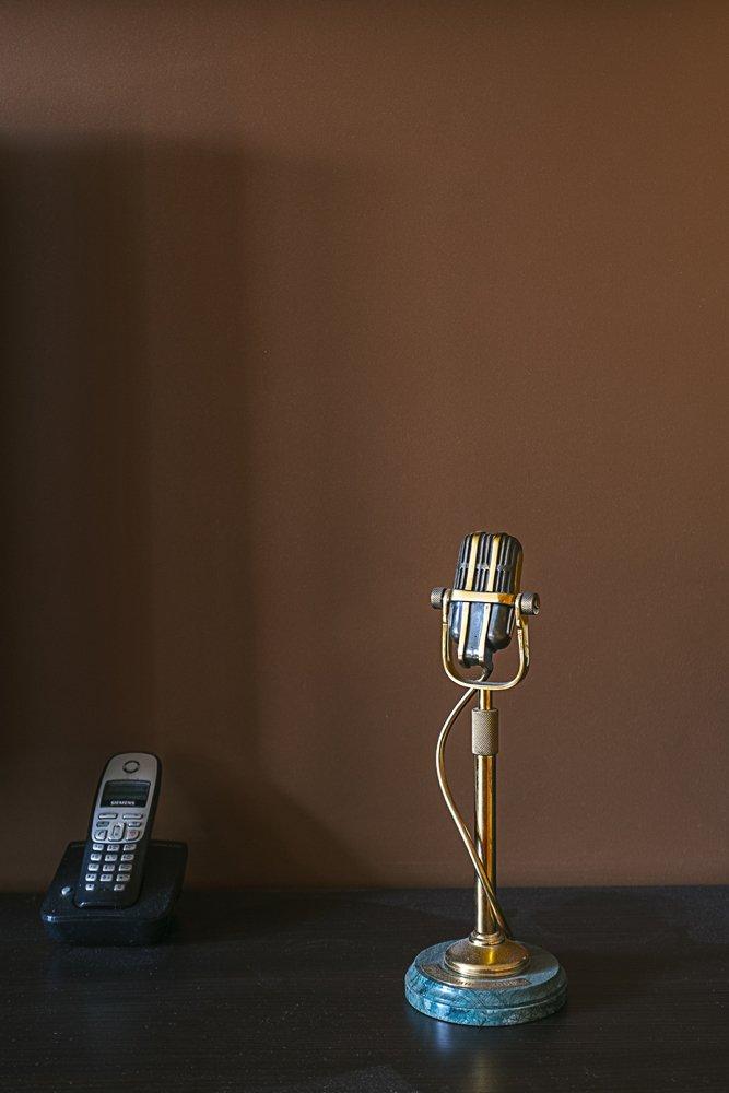 Фотография: Декор в стиле Современный, Квартира, Россия, Проект недели, Новая Москва, Максим Ковалевский, переделка хрущевки, как обустроить двухкомнатную квартиру в хрущевки, как из типовой квартиры сделать студию, ремонт хрущевки, видео, Хрущевка – фото на INMYROOM