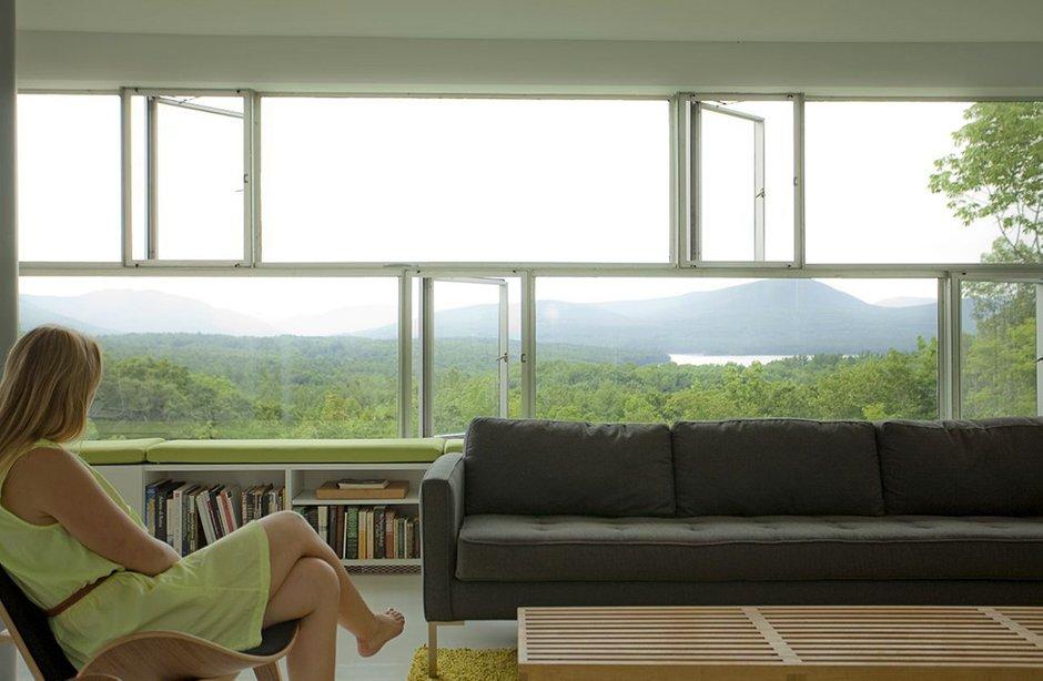 Фотография: Гостиная в стиле Скандинавский, Современный, Дом, Дома и квартиры, Панорамные окна – фото на INMYROOM