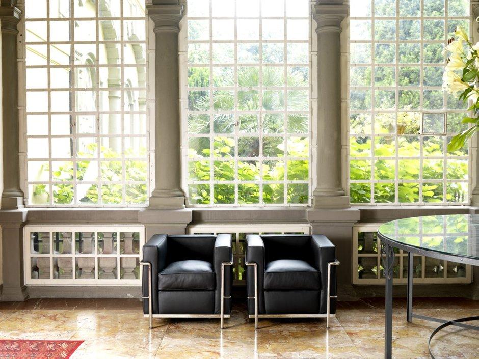 Фотография: Мебель и свет в стиле Классический, Современный, Декор интерьера, Arne Jacobsen, Eero Aarnio, Le Corbusier, Ludwig Mies Van der Rohe, Тема месяца – фото на INMYROOM