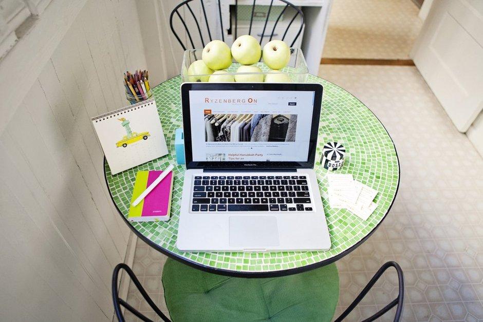 Фотография:  в стиле Современный, Малогабаритная квартира, Квартира, Цвет в интерьере, Дома и квартиры – фото на InMyRoom.ru