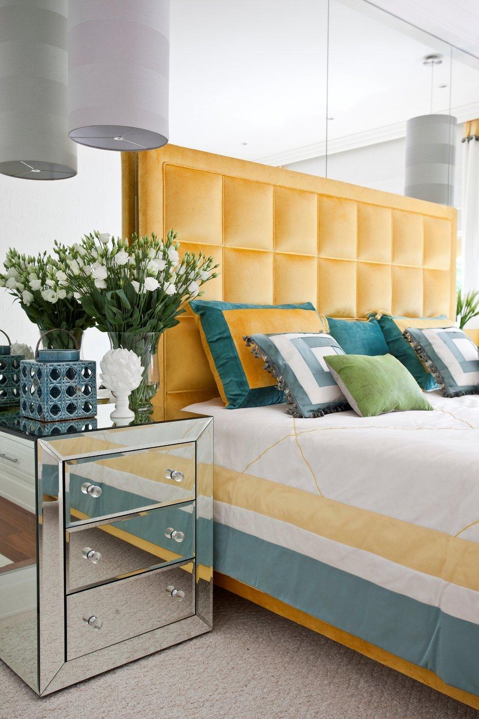 Фотография: Спальня в стиле Хай-тек, Интерьер комнат, Мебель и свет, Проект недели – фото на INMYROOM
