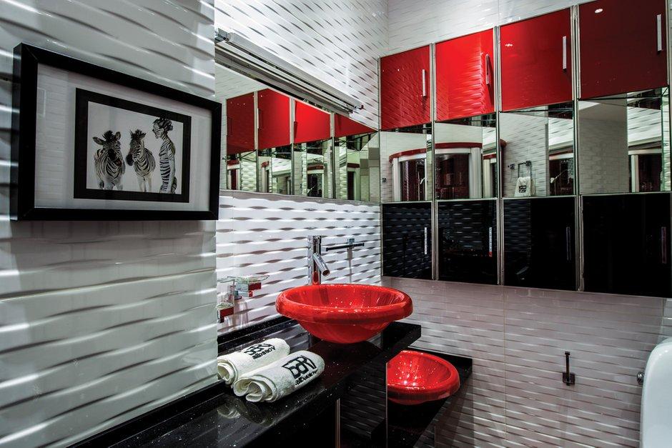 Фотография: Ванная в стиле Хай-тек, Квартира, Дома и квартиры, Интерьеры звезд, Проект недели, Москва – фото на INMYROOM