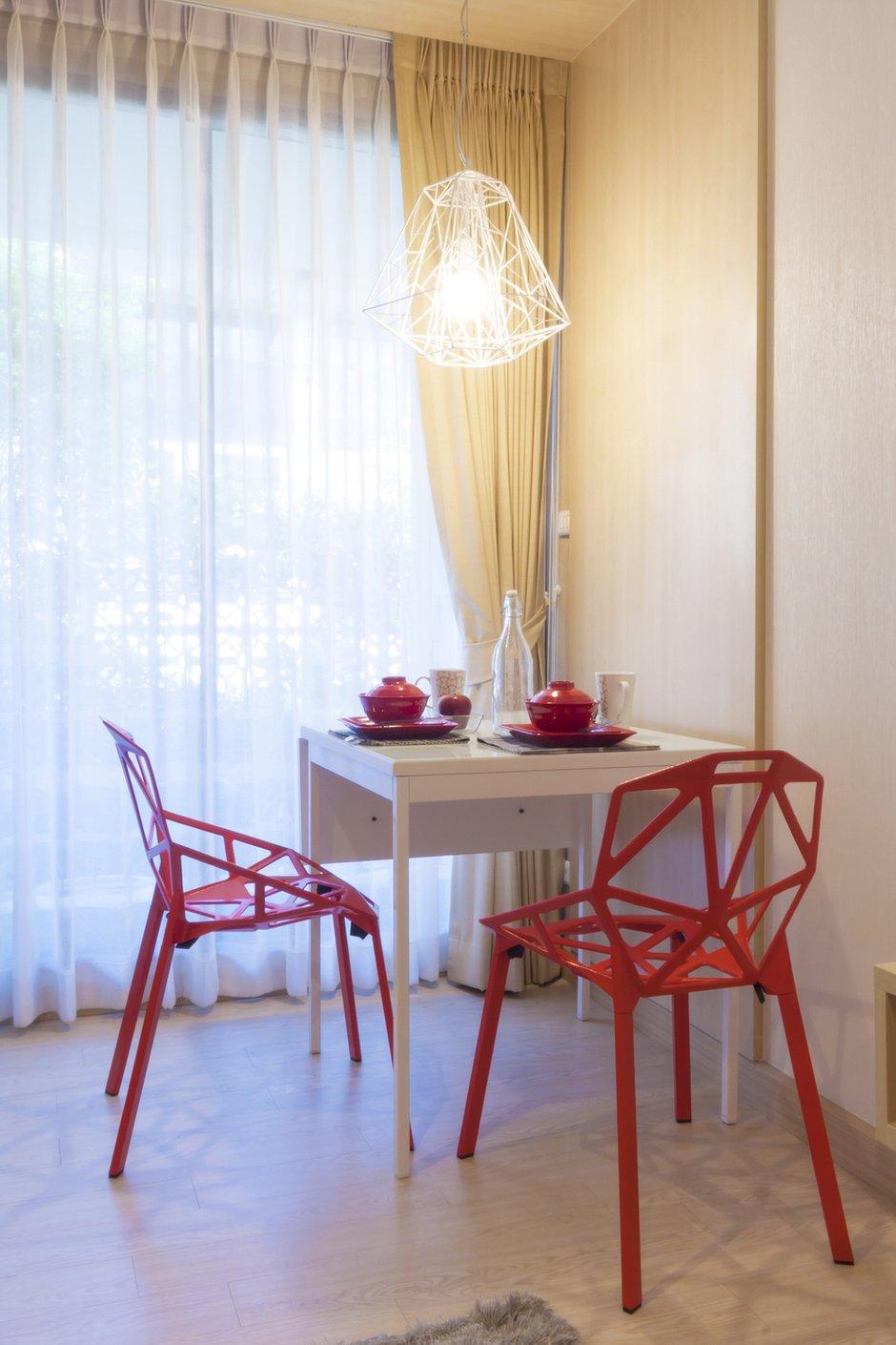 Фотография: Кухня и столовая в стиле Современный, Эклектика, Декор интерьера, Дом, Мебель и свет, Стол, Винтаж – фото на INMYROOM