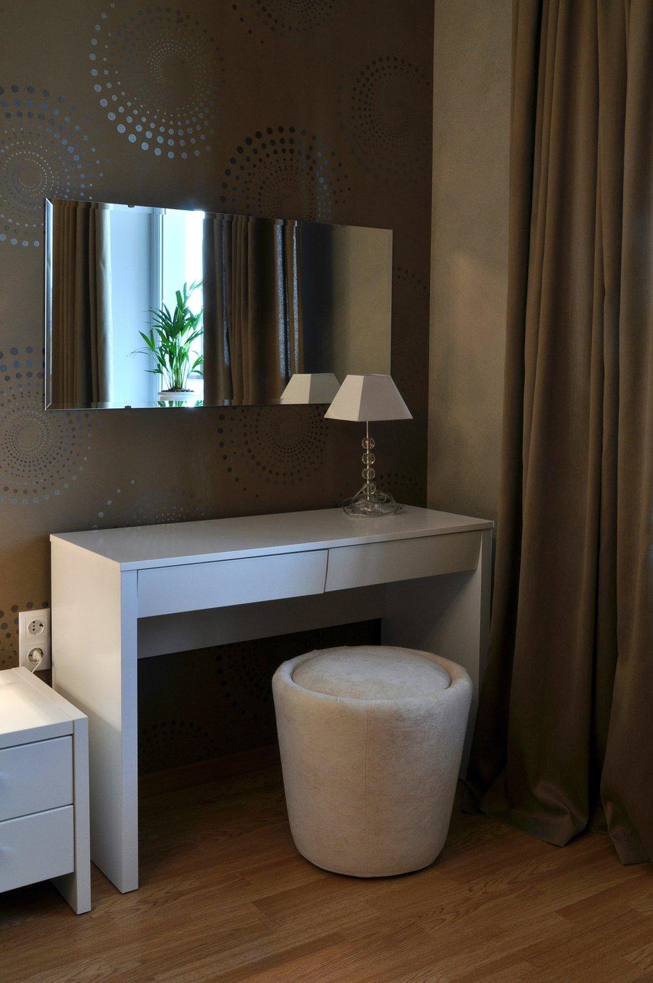 Фотография: Мебель и свет в стиле Современный, Восточный, Малогабаритная квартира, Квартира, Цвет в интерьере, Дома и квартиры, Белый, Переделка – фото на INMYROOM