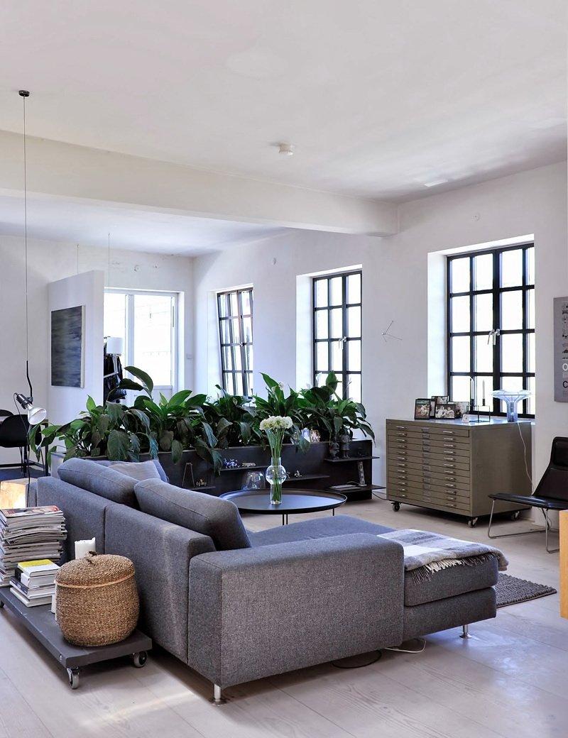 Фотография: Гостиная в стиле Современный, Скандинавский, Квартира, Цвет в интерьере, Дома и квартиры, Белый, Черный – фото на INMYROOM