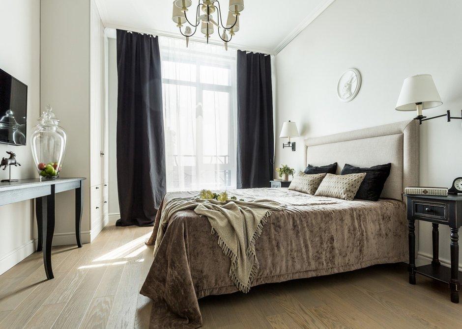 Фотография: Спальня в стиле Классический, Современный, Квартира, Проект недели, Москва, Монолитный дом, 2 комнаты, 60-90 метров, Елена Лазутина – фото на INMYROOM