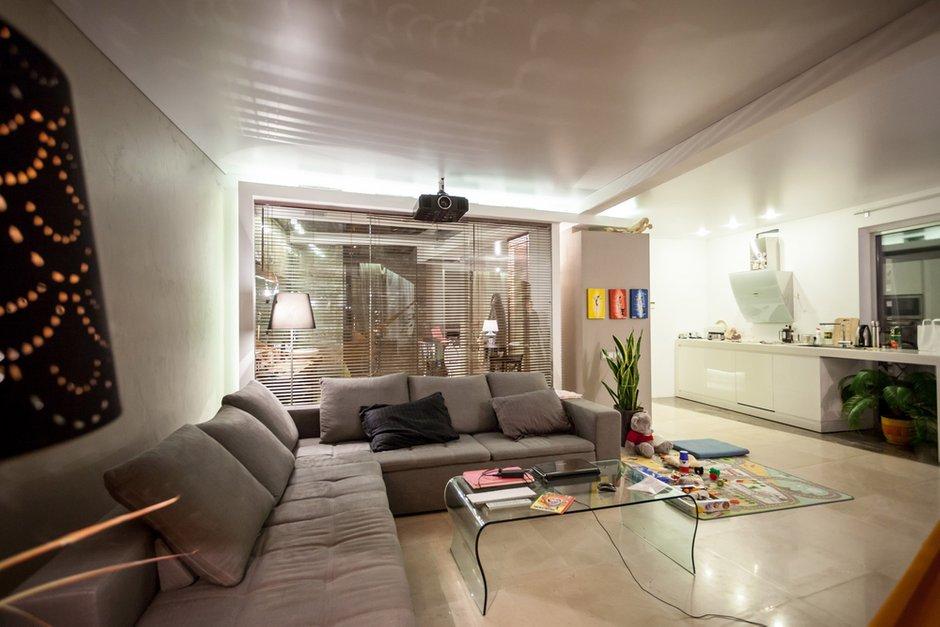 Фотография: Гостиная в стиле Лофт, Современный, Квартира, Дома и квартиры – фото на INMYROOM