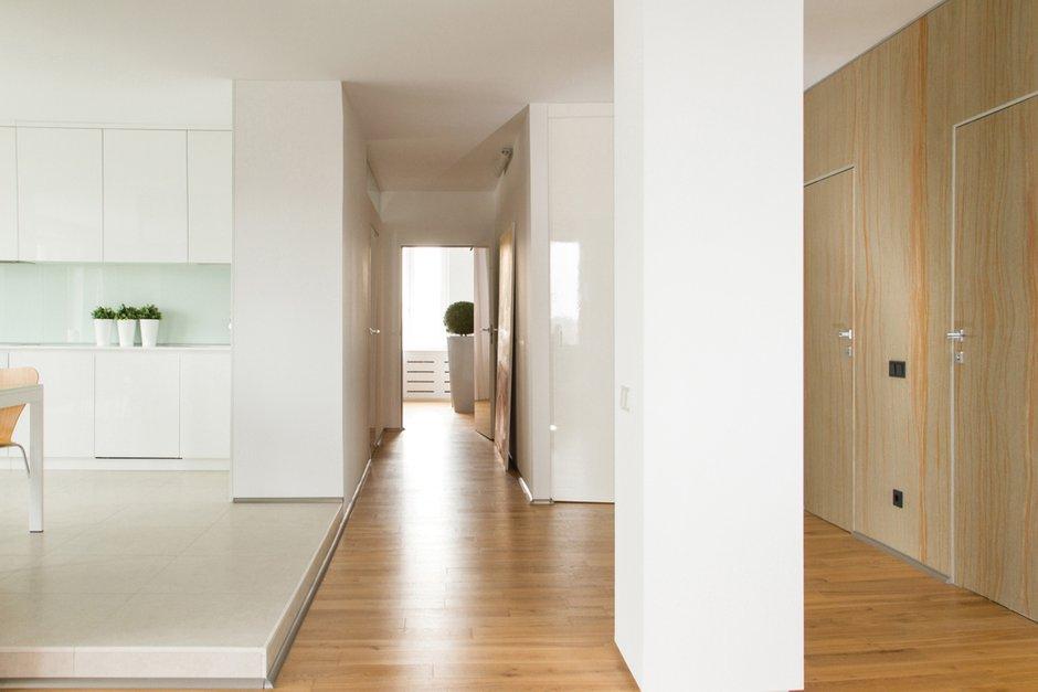 Фотография: Прихожая в стиле Современный, Квартира, Цвет в интерьере, Дома и квартиры, Белый, Минимализм, Проект недели – фото на INMYROOM