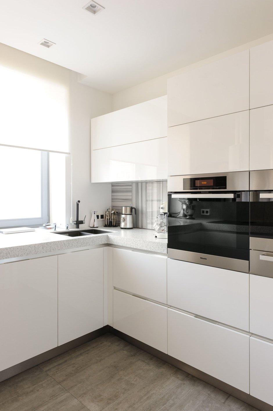 Фотография: Кухня и столовая в стиле Хай-тек, Лофт, Квартира, Дома и квартиры, Проект недели, Поп-арт – фото на INMYROOM