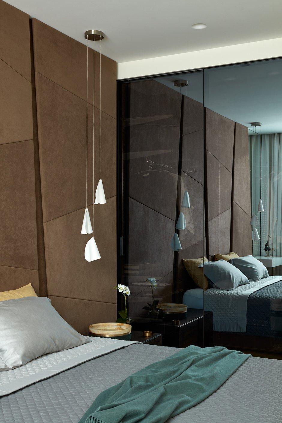 Фотография: Спальня в стиле Современный, Квартира, Проект недели, Москва, Шамсудин Керимов, Кирпичный дом, 4 и больше, Более 90 метров – фото на INMYROOM