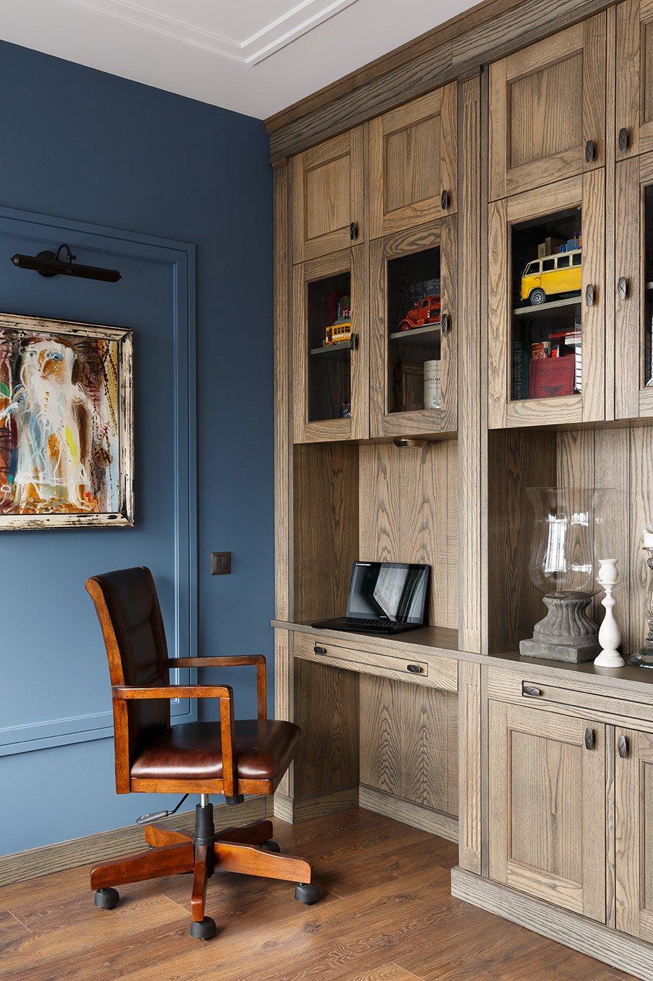 Фотография: Кабинет в стиле Классический, Квартира, Проект недели, Санкт-Петербург, Монолитный дом, 4 и больше, Более 90 метров, Дизайн-Холл – фото на INMYROOM