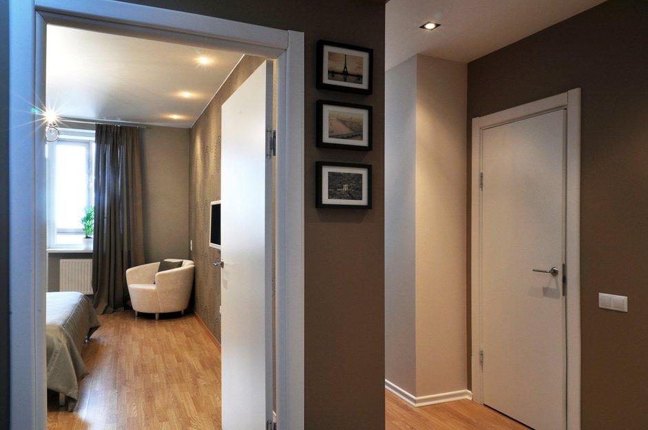 Фотография: Прихожая в стиле Современный, Малогабаритная квартира, Квартира, Цвет в интерьере, Дома и квартиры, Белый, Переделка – фото на INMYROOM