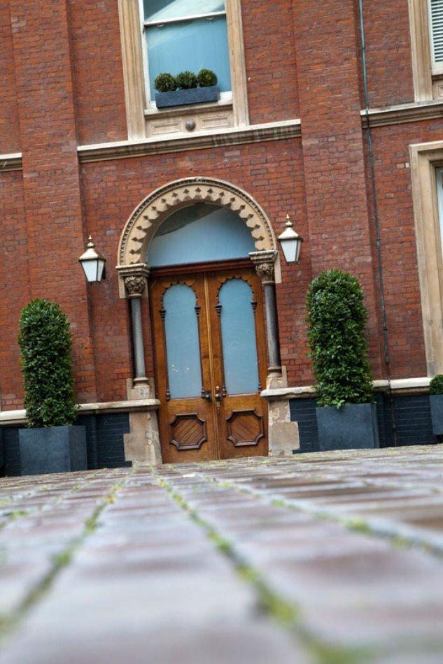 Фотография: Архитектура в стиле Классический, Современный, Эклектика, Дом, Цвет в интерьере, Дома и квартиры, Белый, Лондон – фото на INMYROOM