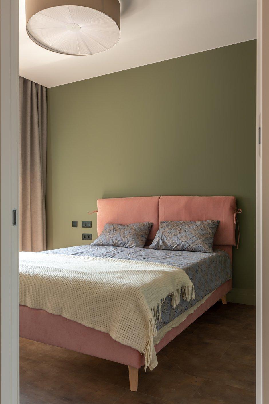 Фотография: Спальня в стиле Минимализм, Современный, Квартира, Проект недели, Москва, Buro Brainstorm, 1 комната, до 40 метров, 40-60 метров – фото на INMYROOM