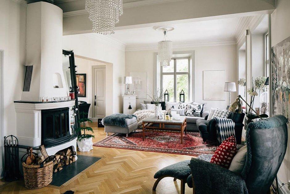 Фотография: Гостиная в стиле Скандинавский, Советы, как утеплить балкон, как самостоятельно утеплить квартиру, утепление окон, отопление, системы отопления – фото на INMYROOM