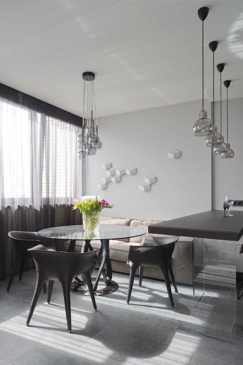 Фотография: Кухня и столовая в стиле Хай-тек, Квартира, Минимализм, Проект недели – фото на INMYROOM