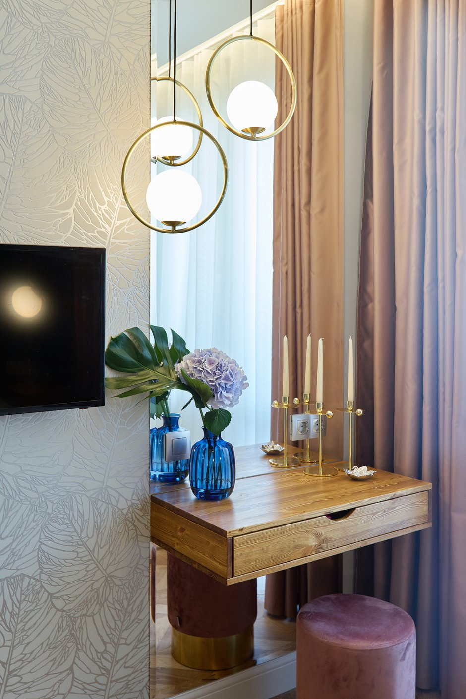 Фотография: Спальня в стиле Современный, Квартира, Проект недели, Москва, 2 комнаты, 40-60 метров, 60-90 метров, Светлана Пырх – фото на INMYROOM