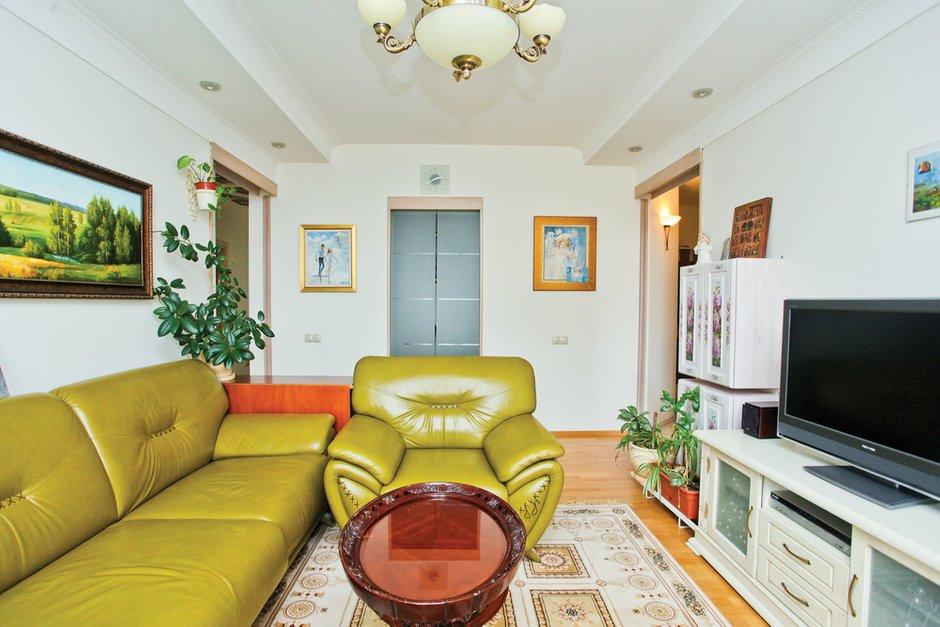 Фотография: Гостиная в стиле Эклектика, Квартира, Дома и квартиры – фото на INMYROOM
