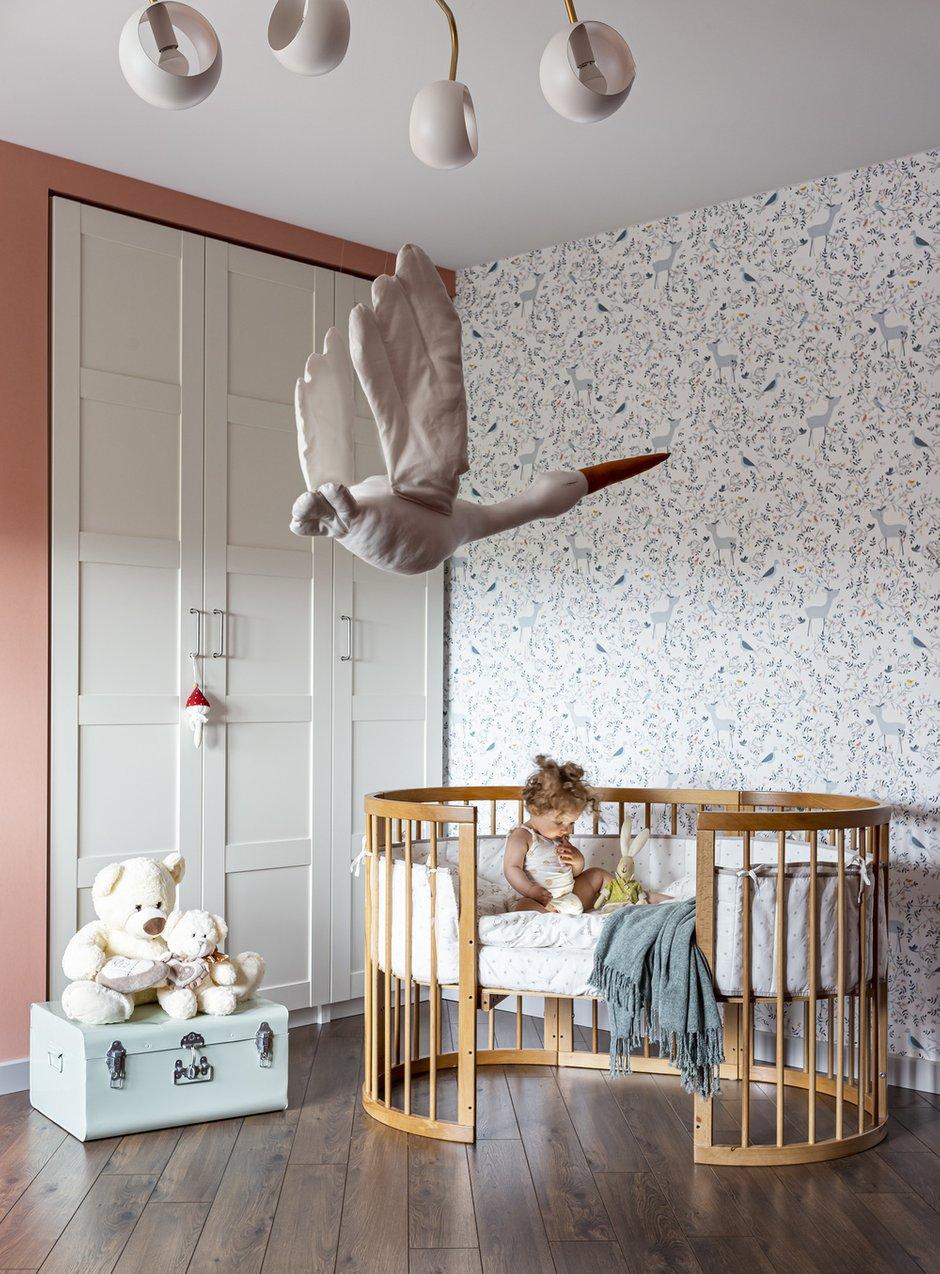 Ниши в стене уже были от застройщика, в них идеально встали шкафы из ИКЕА.
