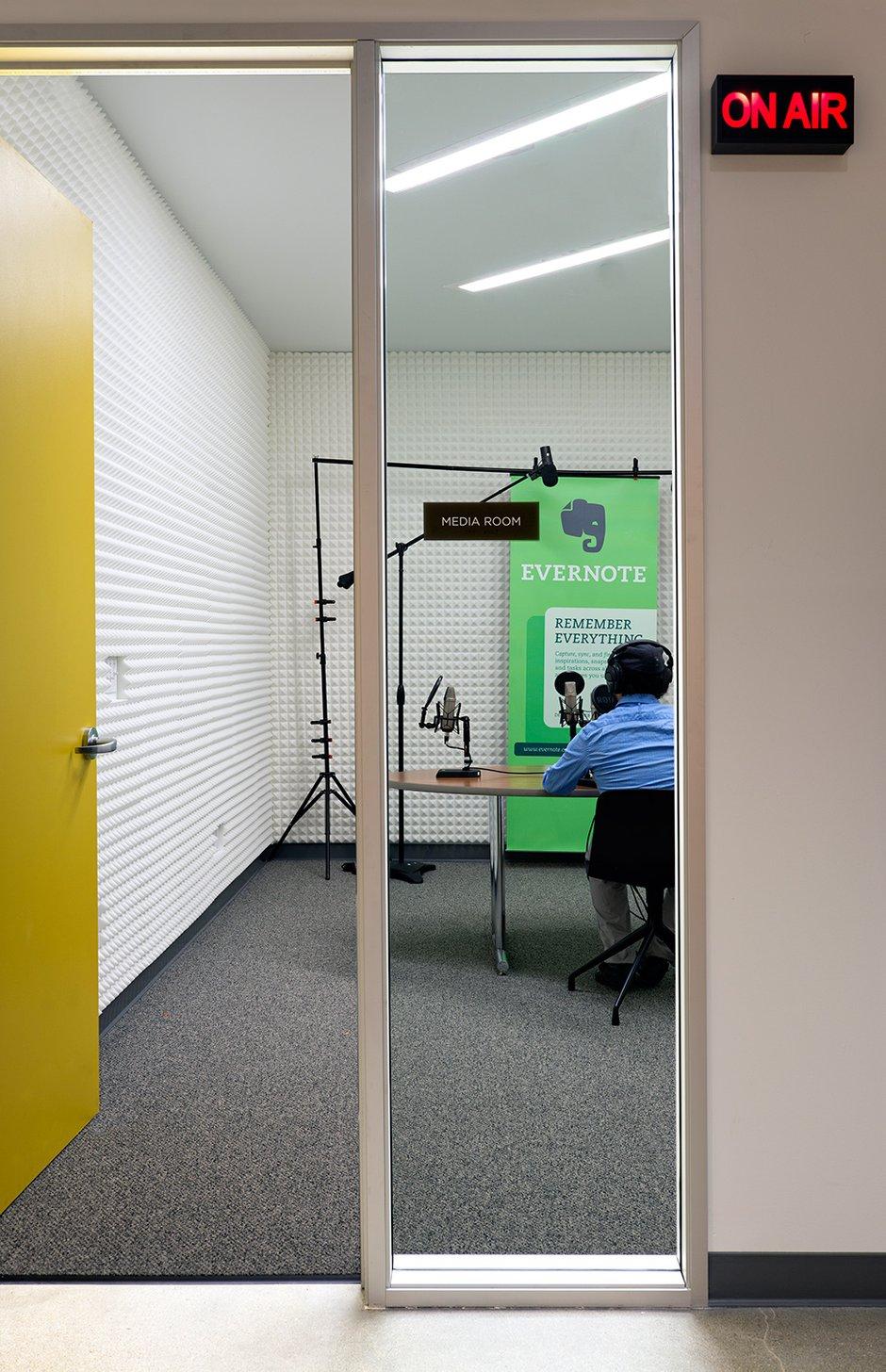 Фотография: Офис в стиле Современный, Декор интерьера, Офисное пространство, Дома и квартиры, Проект недели, Калифорния – фото на INMYROOM