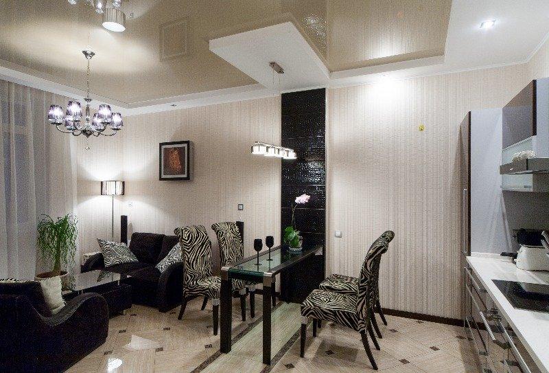 Фотография: Кухня и столовая в стиле Современный, Декор интерьера, Малогабаритная квартира, Квартира, Декор дома, Переделка, Ар-деко – фото на INMYROOM