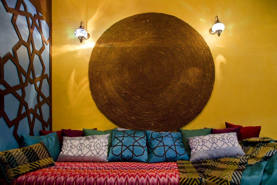 Фотография: Гостиная в стиле Восточный, Кухня и столовая, Интерьер комнат, Проект недели, Марокканский – фото на INMYROOM